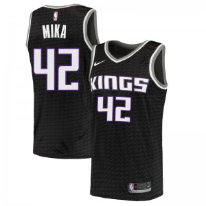 Nike Sacramento Kings Swingman Black Eric Mika Jersey - Statement Edition - Youth