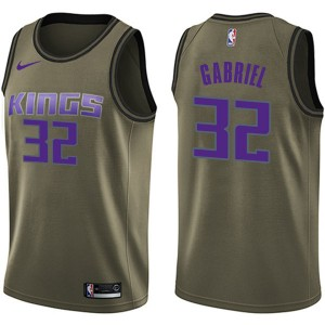 Nike Sacramento Kings Swingman Green Wenyen Gabriel Salute to Service Jersey - Men's